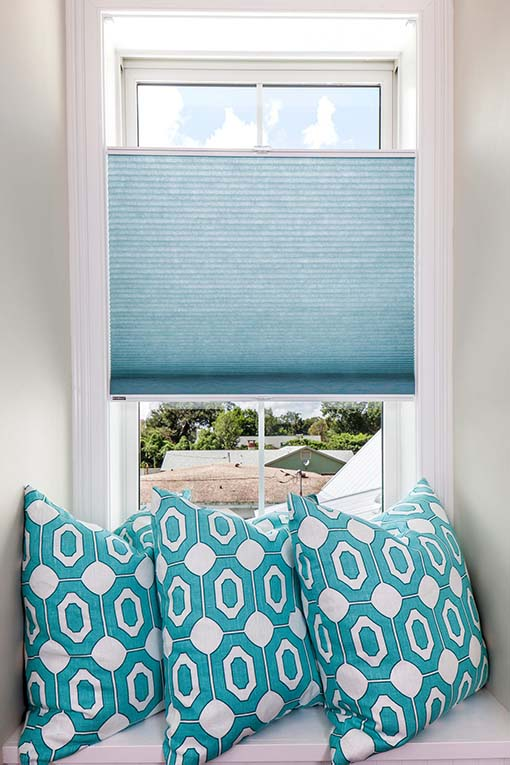 Window and Door Shades Options for Homes and Sitting Rooms in Jacksonville, Florida (FL) are Motorized